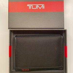 Brand new Authentic TUMI ID Lock L fold wallet